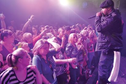 Cupid performs in Reesburg, WI