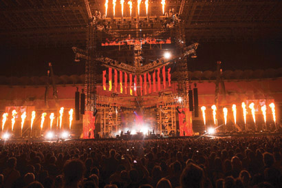 Vasco Rossi touring set with Pixled LED screens