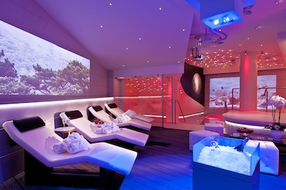 Moon Spa with Watchout