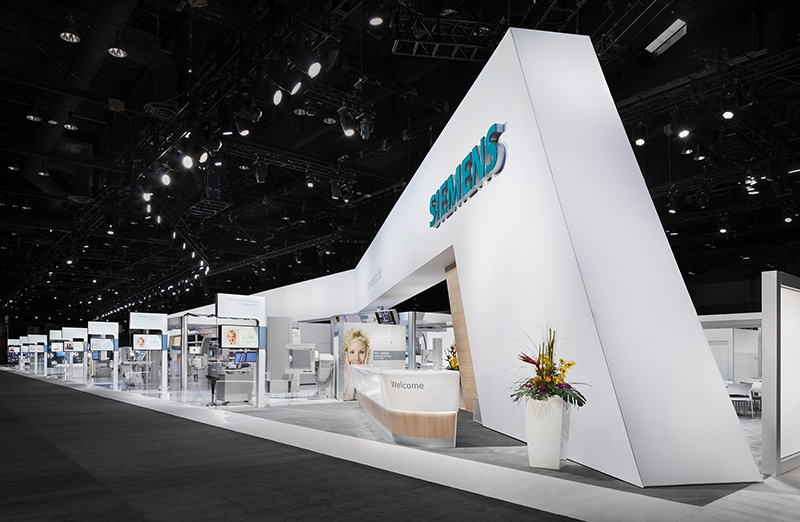 The booth design featured a banner requiring a bright even wash of white light. & Lighting the Booth for Siemens at RSNA in Chicago « PLSN