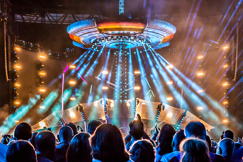 ELO - Alone in the Universe, Wembley photo by Kris Goodman