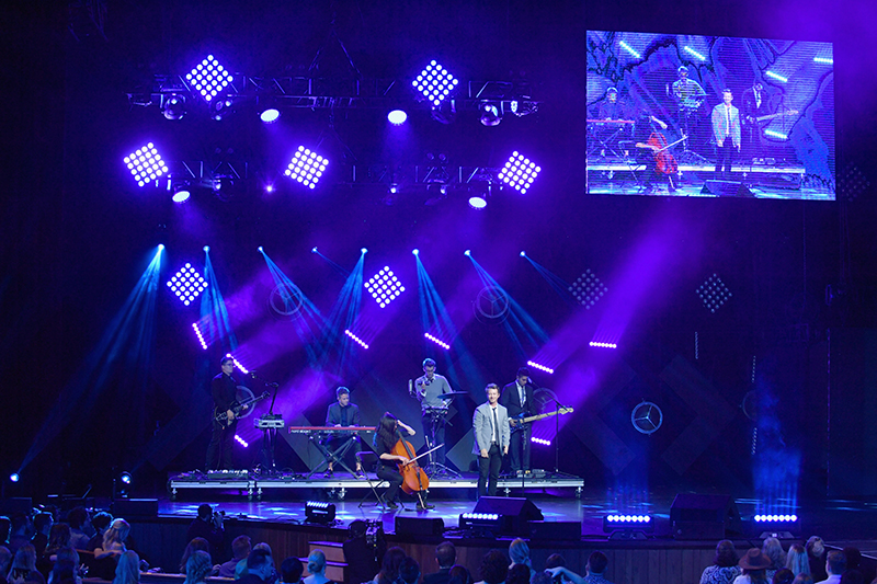 Lighting truss articulates to create multiple looks for the numerous acts. Getty Images courtesy ARS