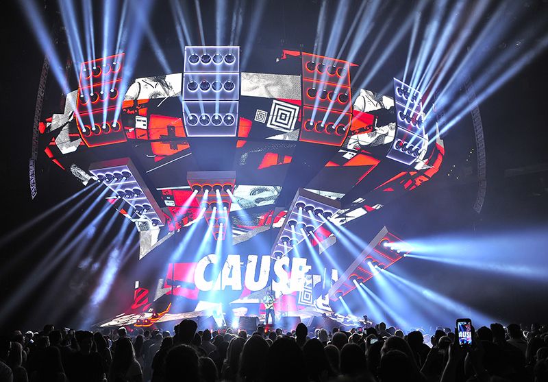 Claypaky Mythos fixtures played a key role in Ed Sheeran's Divide tour. Photo by Steve Jennings
