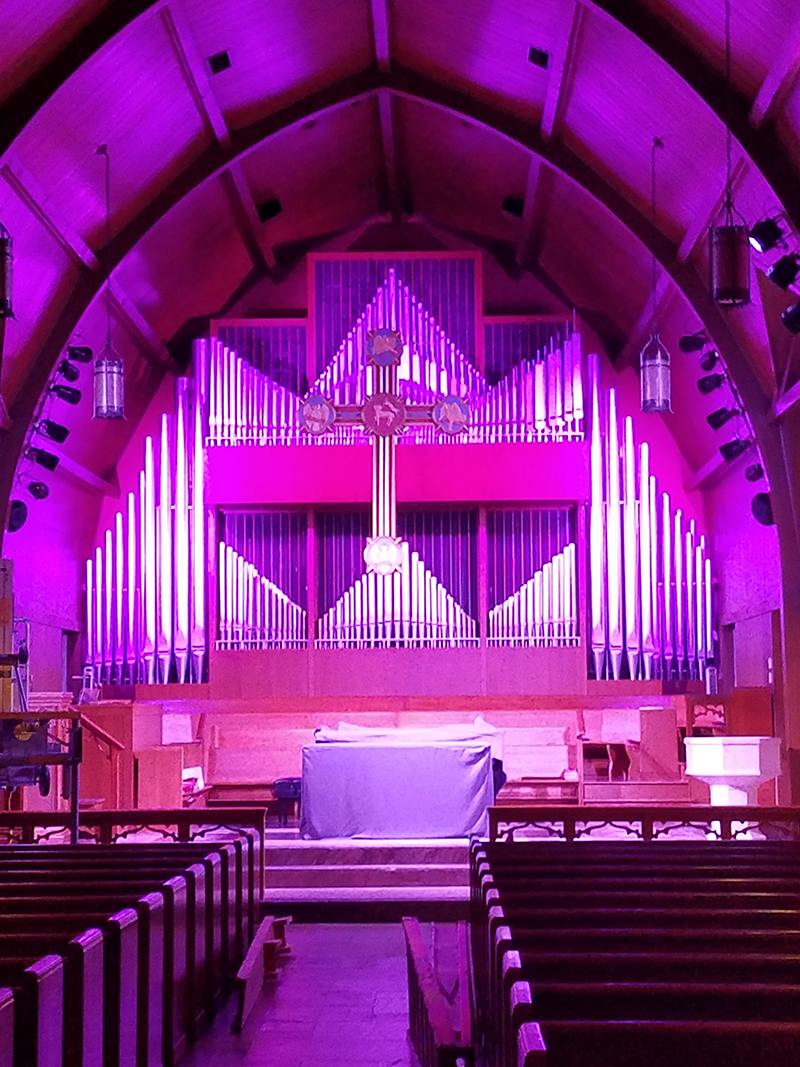 The installation includes four Rogue units that highlight the church's classic pipe organ. Photo courtesy First United Methodist Church of Oak Ridge, TN