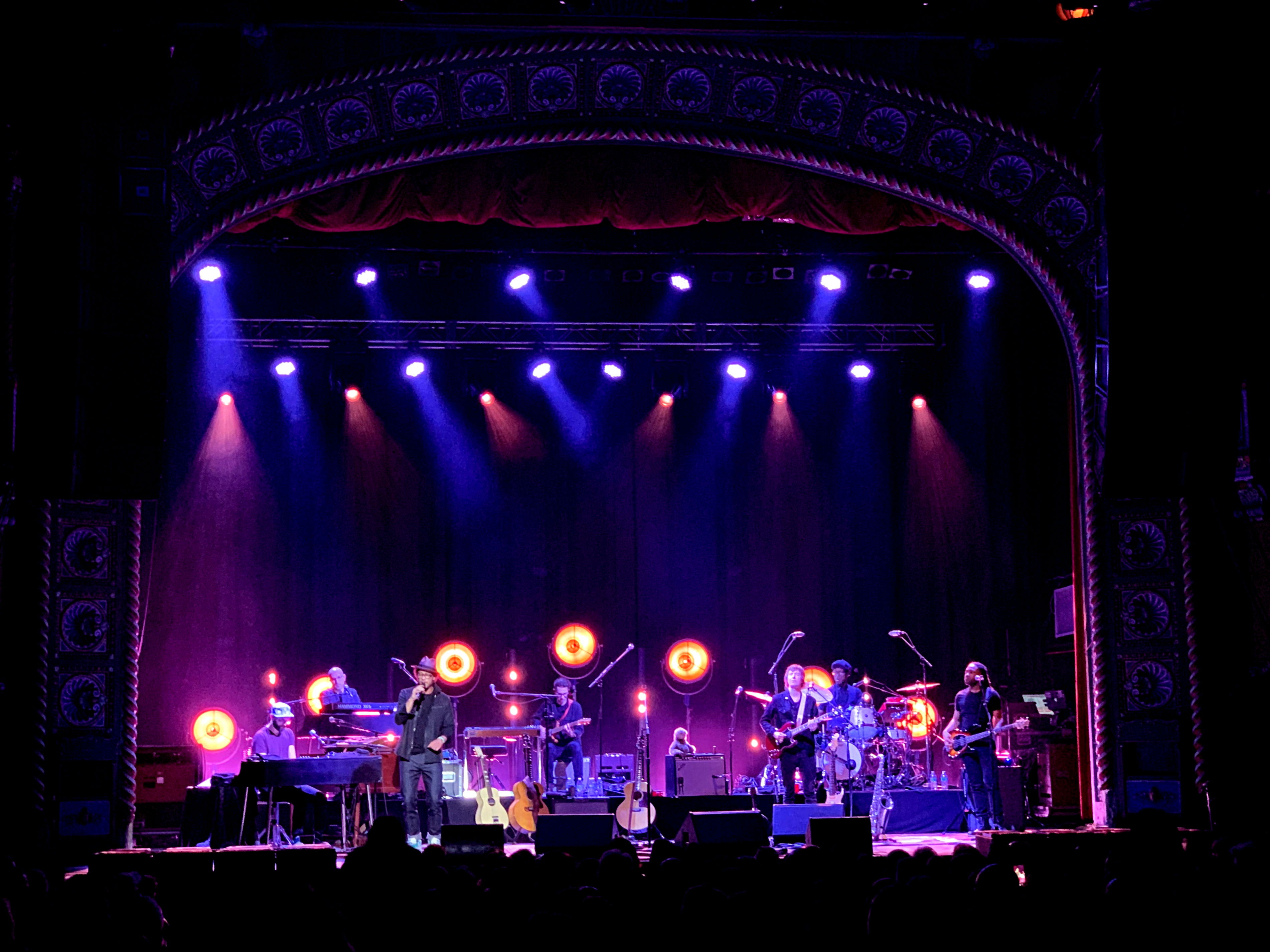 Bandit Brings The Light To Amos Lee S My New Moon Tour Plsn